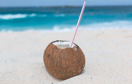 15 יתרונות מדעיים המבוססים על מי פרי אגוז הקוקוס