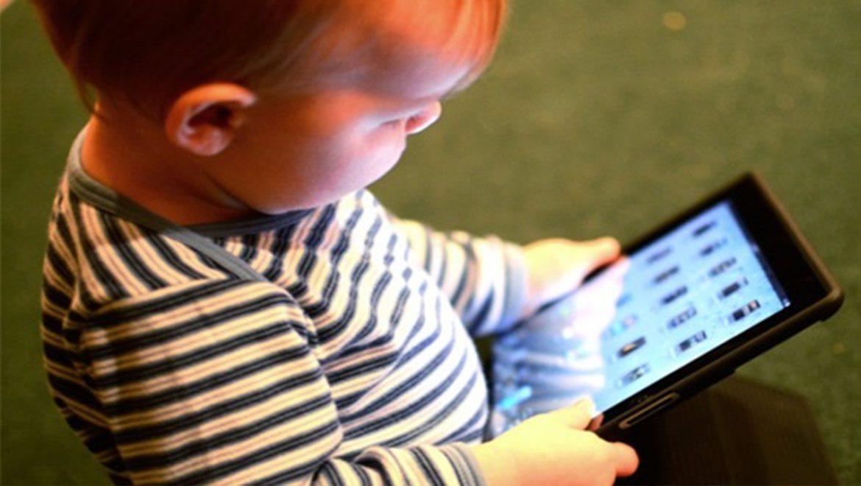 10 סיבות מדוע אסור לתת לילדים להשתמש במכשירים חכמים