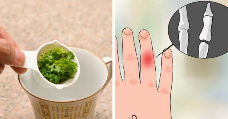 ראו מה קורה בגופכם כאשר אתם שותים תה עם לימון פטרוזיליה ודבש