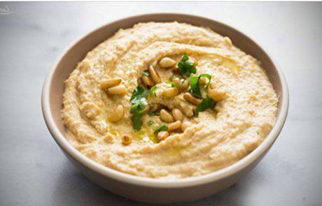5 יתרונות בריאותיים לאכילת חומוס