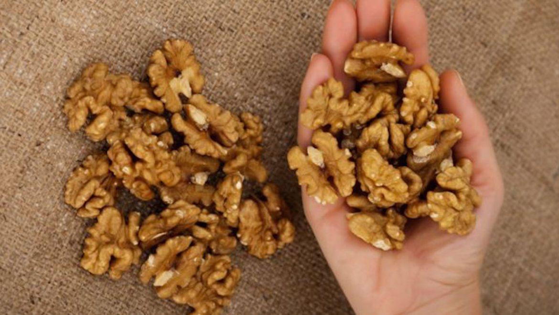 אם תאכלו 5 אגוזים. זה מה שיקרה לגוף שלכם תוך ארבע שעות!